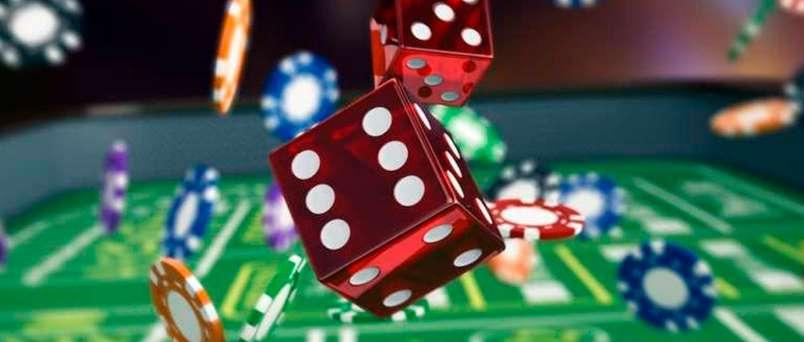 Dados y fichas de casino. Tratamiento de la Ludopatía en Sevilla.